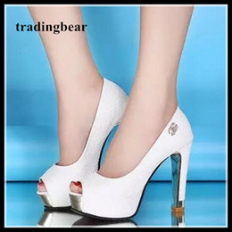 2019 blanco peep toe alto tacones Zapatos blancos de la boda glitter lentejuelas zapatos de novia peep toe gruesas bombas de tacón alto 2 colores Tamaño 34 a 39 blanco peep toe alto tacones baratos
