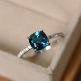 2019 bijoux en diamant bleu Meilleure vente de nouveaux incrustés de Londres topaze bleue et diamant bague en diamant européen et américain bijoux en diamant bleu pas cher