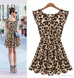2019 red de vestidos El nuevo vestido de leopardo atractivo del club nocturno explosiva Europa y los Estados Unidos mangas redonda franqueo falda de cuello S1