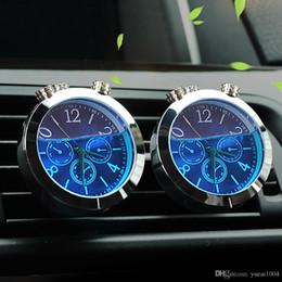 b72a54913b4 Enfeites de carro Auto A   C Ventilação Clipe Luminoso Relógio Termômetro  Relógio Automotivo Refrogerador de Ar Do Carro Decoração Sem Perfume relógio  ...