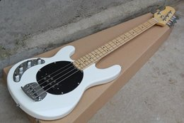 Rayo bajo online-Zurdo White Music Man Ernie Ball Sting Ray Guitarra baja eléctrica de 4 cuerdas con pastillas activas Batería de 9 V