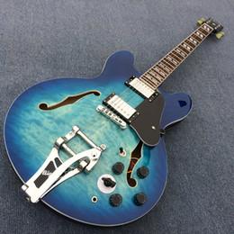 Nueva guitarra eléctrica de jazz 335 de cuerpo hueco de alta calidad, guitarra eléctrica de hardware cromada con sistema Tremolo, envío gratis desde fabricantes