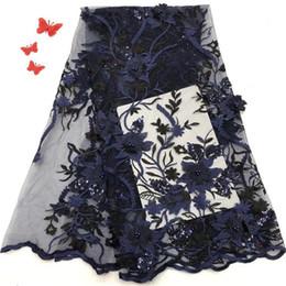 2019 tecido flor preta 3d Teste padrão de flor 3d tecido de renda francesa de alta qualidade preto africano tule tecido de renda líquida flor 3d com miçangas para vestido Lago azul tecido flor preta 3d barato