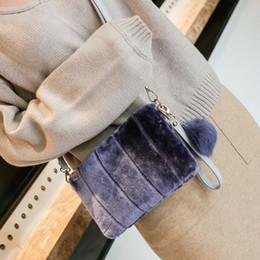 7bbefd000ec7c vogue clutch taschen Rabatt Winter Frauen Clutch Bag Plüsch Pompon  Volltonfarbe Handtasche Damen Abend Party Umschlag