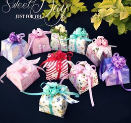 Wholesale european flower favor box - Flower Candy Box Wedding supplies Korean Wedding Carton Gift Box Big Small size European Creative Personality Package