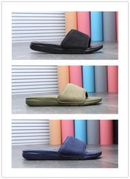 Billige blaue sandalen online-Großhandel Solarsoft Slip grün blau schwarz Hausschuhe Hydro Sandalen Männer Frauen Freizeitschuhe Sport Trainer günstigen Rabatt 2018 Größe 36-44