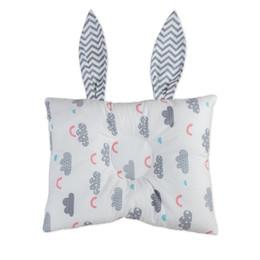 Кроличьи подушки онлайн-Baby Rabbit Ear Shaped Head Shaping Pillow Newborn Infant Neck Protection Prevent Flat Head Toddler Bedding