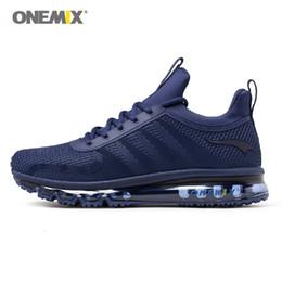 onemix-turnschuhe Rabatt Onemix atmungsaktive Herren Laufschuhe Dämpfung Sport Sneaker Outdoor-Licht Sneaker für Männer hohe Top-athletische Jogging-Schuhe Umsatz