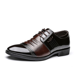 Повседневная одежда для мужчин онлайн- Designer Men Oxfords Shoes Casual Business Office Formal Shoes Breather Lace Up Pointed Toe Dress Wedding Party Male