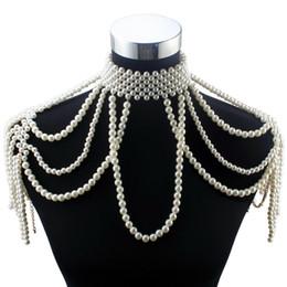 2020 choker kostüm perlenketten Großhandel Lange Perlenkette Chunky Simulierte Perlenkette Körperschmuck für Frauen Kostüm Choker Anhänger Opulente Halskette Neu günstig choker kostüm perlenketten
