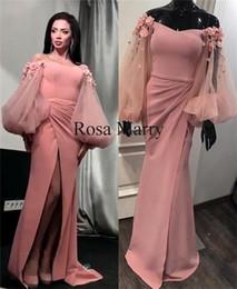 Sexy Blush Pink Mermaid Abiti da sera 2020 Off spalla Puff maniche lunghe Plus Size 3D Floral High Split Africano Yousef Aljasmi Abiti da ballo cheap puff shoulder dresses da vestiti di spalla del soffio fornitori