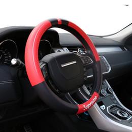 Direcção automóvel de couro on-line-Couro Genuíno Mão-costurado Carro Cobertura de Volante Interior Do Carro styling decoração acessórios volante capa ponto