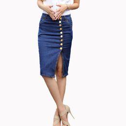 2019 джинсы юбки длина колена Оптовая Продажа - Горячий Дизайн 2017 Лето Сексуальные Женщины Мода Джинсовые Джинсы Юбки-Карандаши Сексуальная Однобортный Длина До Колен Юбка Плюс Размер скидка джинсы юбки длина колена