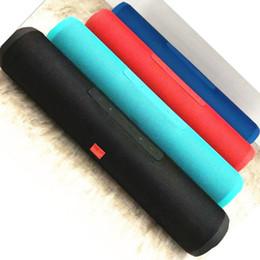 Ordinateur à cylindre en Ligne-Le nouveau long sans fil Bluetooth audio petit cylindre subwoofer portable carte ordinateur radio téléphone Bluetooth haut-parleur quatre ventes emballées