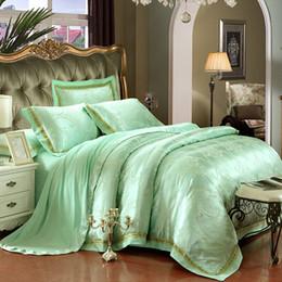 Conjunto de edredón blanco verde online-Blanco verde satinado ropa de cama de jacquard 4/6 unids rey reina tamaño queen funda nórdica conjunto ropa de cama de algodón ropa de cama sábanas de cama