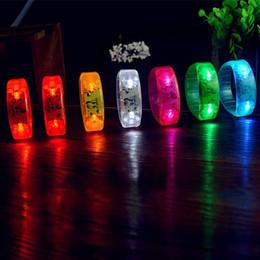 materiales de llavero al por mayor Rebajas Música activada Control de sonido Led pulsera intermitente Light Up Bangle pulsera club Party Bar Cheer Luminous mano anillo resplandor Stick Night Light