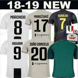 kann 23 Rabatt FC Juventus Soccer Jersey Herren Serie A 18 19 Saison 23 EMRE CAN 49 CUADRADO 8 MÄRZISIO SZCZESNY Torwart-Fußball-Shirt GK Kits