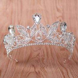 Wholesale Decorate Tiaras - European baroque gold crown with crown jewels is decorated with bridal gown 2018