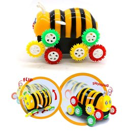 Wholesale car bee - Small Bee Modeling Electric Toy Car Electric Tipping Bucket Honeybee Novelty Games Dumpers Automatic Flipping Funny Toy Car 3 8yh W