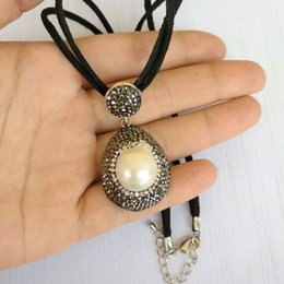 Wholesale Leather Necklaces For Men Chokers - whole sale25cm Leather Chain with Nature Pearl Necklace Unisex Short Necklace Pendants for Women Men Handmade Luxury Jewelry Gift