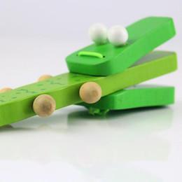bater brinquedos de madeira Desconto Novos instrumentos de percussão de madeira dos desenhos animados de madeira verde crocodilo lidar com castanholas bater brinquedo musical presente das crianças do bebê de madeira música toys