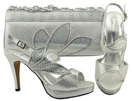 Wholesale handbags matching shoes - High-heeled platform shoes with a heel height of 10.5cm.Silver Italian shoes and matching handbags..AB114-3
