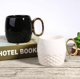 Wholesale Ceramic Cups Handles - Gold Handle Mug Ceramic Cups Travel Water Cup Cute Beer Coffee Tea Cups Drinking Mug OOA4699