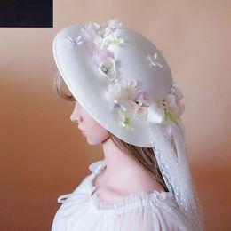 Nova chegada 2018 designer chapéus de viseira de sol para o casamento de praia boêmio elegante chapéus de qualidade superior com delicada flor feita à mão e fita de tule de
