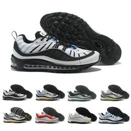 huge discount eeda9 95194 2019 New 98 mens Scarpe da ginnastica Scarpe da corsa Design a righe  Pallone nero e blu Scarpe da ginnastica sportive di alta qualità