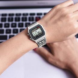cadeaux de sport Promotion SYNOKE Femmes Hommes Unisexe Business Watch Or Argent Vintage LED Numérique Sports Militaires Montres Électronique Numérique Présente Cadeau 9009