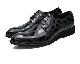 Canada 2018 Man point orteil chaussure de créateur designer italien formelle hommes chaussures en cuir véritable noir chaussures de mariage de luxe hommes appartements bureau N283 supplier italian men pointed shoes Offre