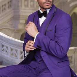 2019 legame viola sottile Groomsmen Custom Notch Risvolto Groom suit Tuxedos 2018 slim Mens viola Abiti da sposa per uomo (Jacket + Pants + Tie + Vest) sconti legame viola sottile
