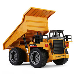 grandes camiones de control remoto Rebajas 1: 18 2 .4g 6ch Aleación de Control Remoto Camión Volquete Camión Rc Camión volquete grande Vehículos de Ingeniería Cargador de Arena Car Rc Juguete Para Niños regalo