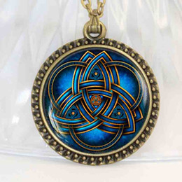 pendentif triquetra Promotion Dernières vente chaude bleu collier triquetra, bijoux pour hommes, symbole de la Trinité pour Best Friends Pendant