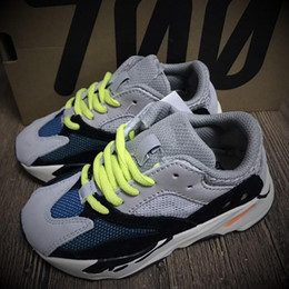 Wholesale girls runners - Baby Kids Shoes Kanye West 700 Boost Running Shoes Boys Girls Sneaker Wave Runner BOOST 700 Sport Shoe Children 2018 Athletic Shoes Grey