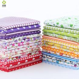 2019 pacotes de tecido patchwork Cor aleatória Fina Charme Packs Tecido de Algodão Patchwork Nenhum Repetir Design Tissue Tecido De Costura 30 pçs / lote 10 * 12 CM pacotes de tecido patchwork barato