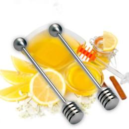 Palos de café eco amigable online-Mini Acero Inoxidable Honey Stick Honey Spoon Bar Agitación Café Honey Jar Dipper Eco-Friendly Mango largo Stick de mezcla F20173047
