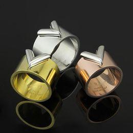 anel de moda em forma de v Desconto Moda em forma de anel de titânio em forma de v 18 k rose gold jóias coréia dupla cor homens e mulheres anel de casamento jewwelry presente