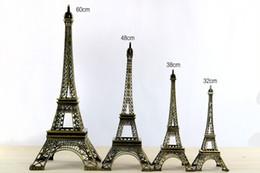 2019 adereços da torre eiffel Projeto Do Vintage 3D Paris Torre Eiffel Modelo Metálico Cor Bronze Artesanato para o Presente de Casamento de Tiro Prop Casa Decoração Suprimentos desconto adereços da torre eiffel