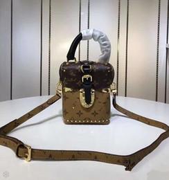 Piccola decorazione dei branelli online-2018 Street Fashion New Small versione coreana della fascia alta marea portatile in vera pelle decorazione femminile borsa a tracolla