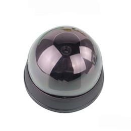 Simulare falso simulazione telecamera a circuito chiuso CCTV telecamera emisferica Led Monitor telecamera analogica con LED IR rosso + rosso attività LED Light 70 * 90 * 90M da telecamera nascosta esterna hd fornitori