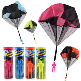 Wholesale play outdoors - NEW Hand Throwing Kids Mini Play Parachute Toy Soldier Outdoor Sports Children's Educational Toys Outdoor Toys Candy Color OTH884