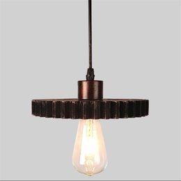 2019 lampade da bar rustiche Nordic Retro Lampade a sospensione E27 Ferro legno Loft Lampadario Ingranaggi Luce interna interna industriale Corda di canapa