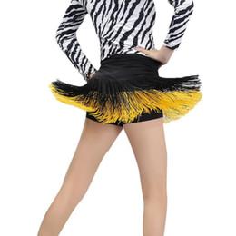 Vestito latino da ballo giallo online-Gonna da ballo latina Samba Carnival Outfit Donna Mini Short Sexy Cha Cha Abito da ballo Nero Blu Giallo Rosso con frange
