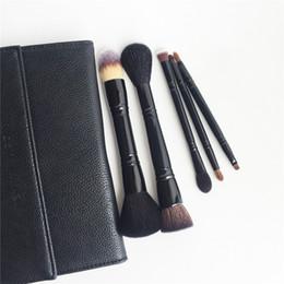 Комплект для кисти для путешествий онлайн-KA-SERIES the EXPERT BRUSH COLLECTION TRAVEL BRUSH SET - 5 двухсторонних кистей с кожаным чехлом-качественный набор кистей для макияжа