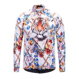 2019 nuove camicie di stile per sottile Hot Size: M-2XL Asian Size / 2019 New Fashion Print Slim camicia da uomo manica lunga camicia casual 8 stili nuove camicie di stile per sottile economici