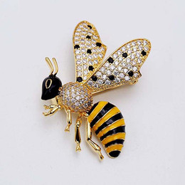 5787f515953 Red Trees Brand Design New Arrival High Quality Fashion Cute Insect Bee  Brooch Pin For Women With Box Package Christmas Gift affordable brooch new  design