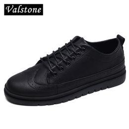 Valstone 2017 Marke NEWl super heiße Brogues Männer Retro klassische  Turnschuhe Herren Oxford Leder Schuhe Schnürschuhe für Herbst Winter e5b404d067