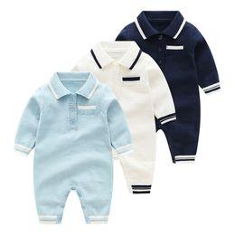 Baby overall häkeln online-Gestrickte Baby Body Baby-Jungen-Langarm-Body drehen unten Kragen Häkeln Kleinkind Jumpsuit 18100701