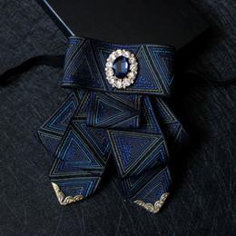 Cravatta a strisce di arco online-Moda Inghilterra Blue Striped Accessori per abbigliamento Papillon da uomo Gentleman Groom Best Man Host Banquet Wedding Collar Flower